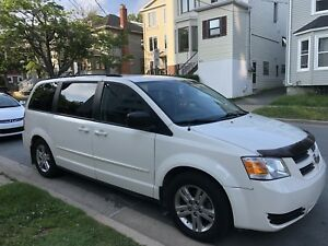 2010 Dodge Grand Caravan,Mini Van (New MVI,new break job)