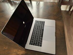 MacBook Pro 15 pouces 2016 avec carte vidéo Radeon Pro 460