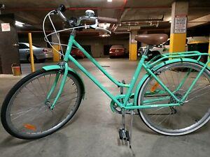 Uptown cruiser pedal bicycle