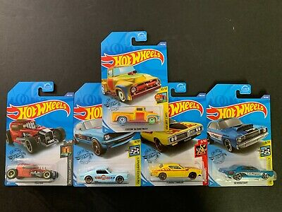 Hot Wheels Set of 5 with Mustang 65 Gulf and Ford Truck 56 Treasure Hunt 1/64