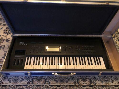 Keyboard Synthesizer Yamaha SY77