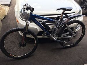 2012 Kona Dawg Matic full suspension top of the line