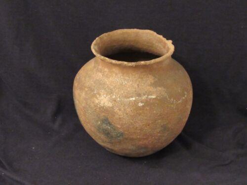 """Early Utilitarian Micaceous Clay Jar, Taos / Picuris, 6"""" x 6.5"""", Nice"""