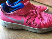 Girls genuine Nikes size US 2Y Kardinya Melville Area Preview