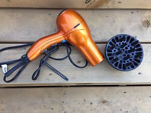Conair hairdryer with difuser