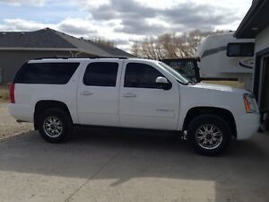 Yukon XL-2500 Full Load 8-passenger