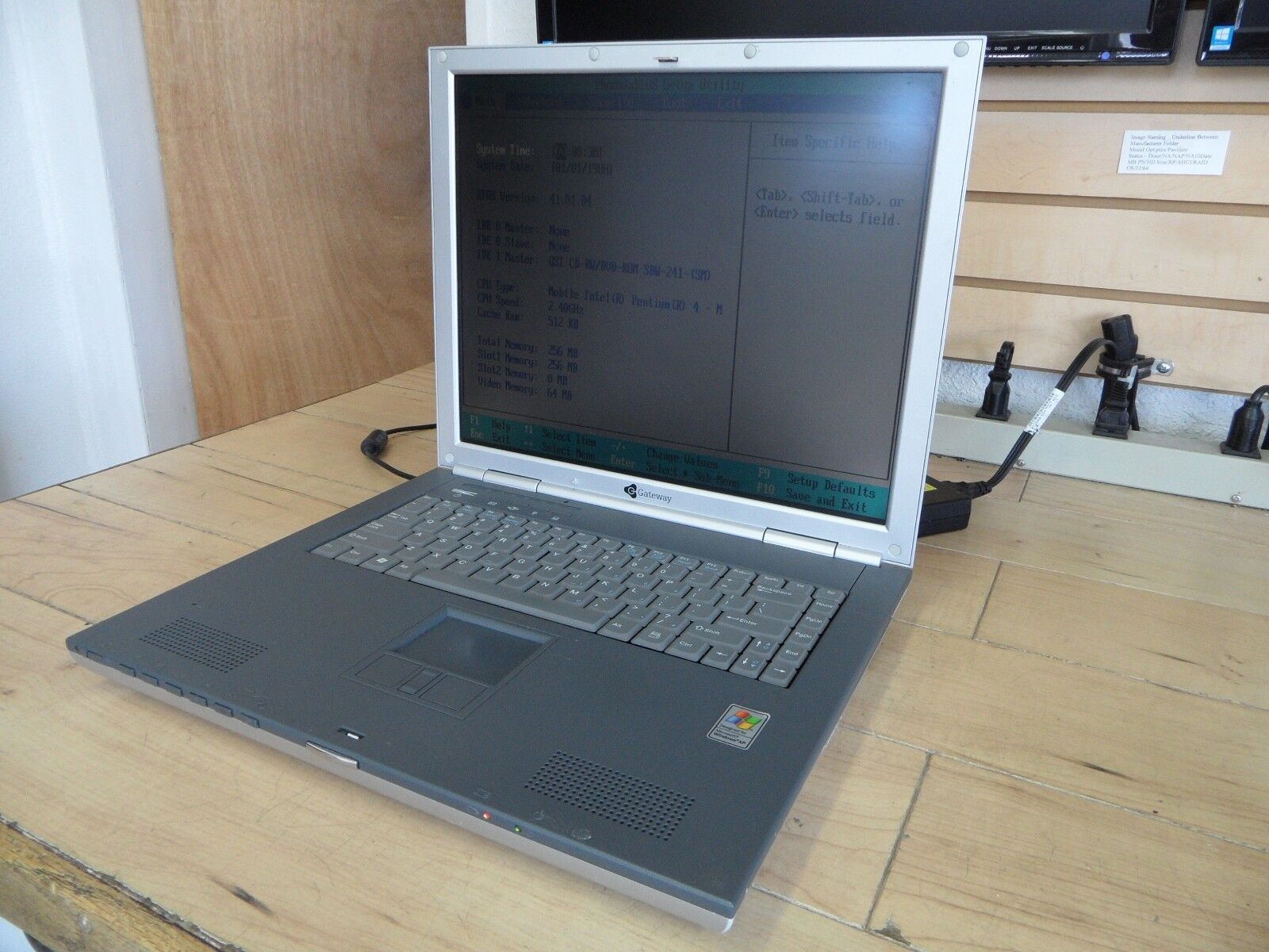 Gateway 600YG2 Laptop For Parts Posted Bios No Hard Drive *