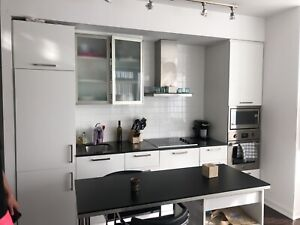 2 Bed,1.5 Washroom Luxury Condo In Downtown Toronto