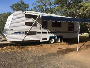 2005 OLYIMPIC FAMILY CARAVAN WITH 3 BUNKS Cotswold Hills Toowoomba City Preview