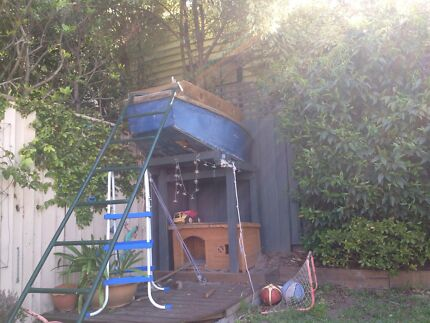 Old kids cubby house boat