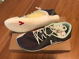 VIVOBAREFOOT WOMENS PRIMUS ROAD GREY/OPAL, Size 38 Crows Nest North Sydney Area Preview