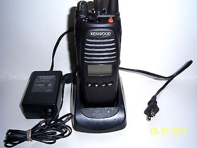 Kenwood Tk 5410d K-2 V-4 Radio With Charger New Battery