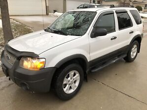 2006 FORD ESCAPE AWD CLEAN TITLE FRESH SAFETY $5,999**