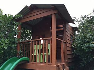 Great timber cubby house in Bayside Hampton East Bayside Area Preview