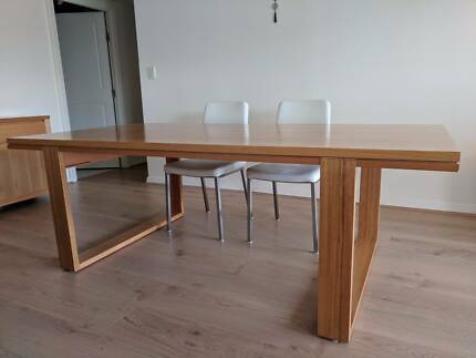 Dining table seats 6-8  solid Vic ash excellent condition