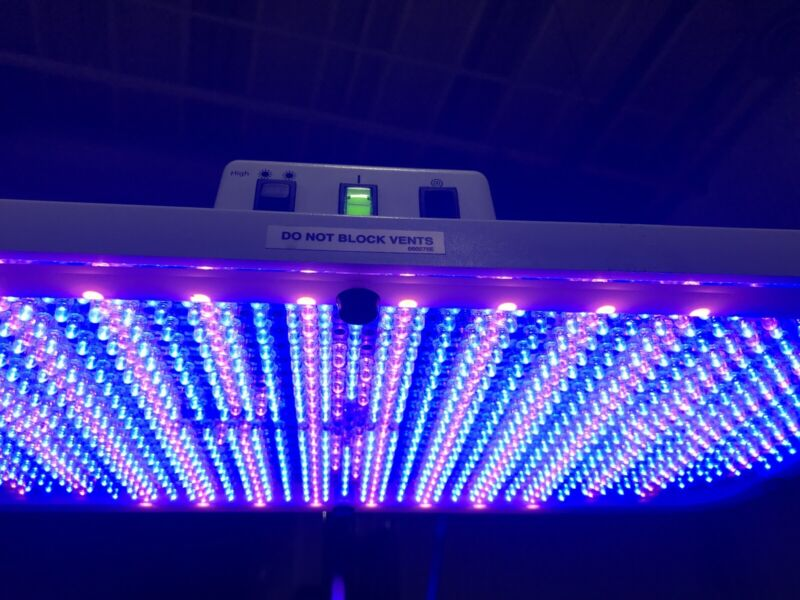 Natus neoBlue LED Phototherapy