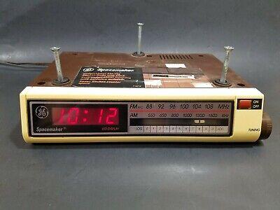 Vintage GE Spacemaker Under-Cabinet AM/FM Kitchen Radio w/ Clock Model 7-4212A