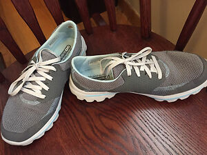 Gently Used Skechers, Nikes and Naturalizers