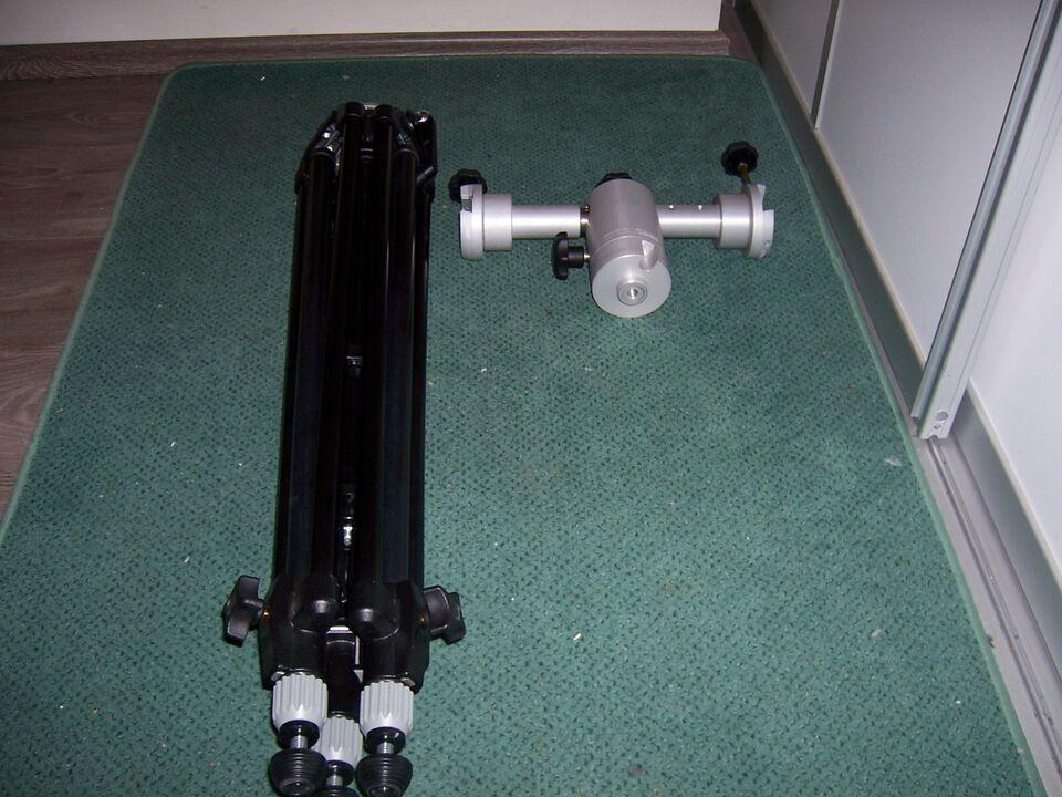 Teleskop  Manfrotto Triman Stativ 028B trägt max.bis 12 Kg TOP in Berlin