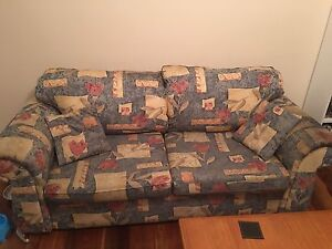 Free lounge set Pennant Hills Hornsby Area Preview