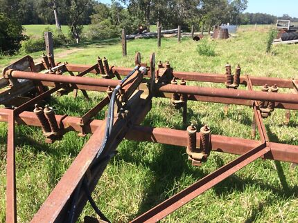 Chisel Plow 13 tines  Gloucester Gloucester Area Preview