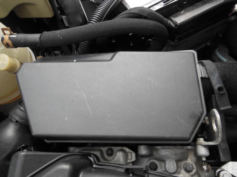 renault kangoo fuse box in engine bay, 1 6 ltr, petrol, auto x76, 08 opel astra van renault kangoo fuse box in engine bay, 1 6 ltr, petrol, auto x76, 08 04 09 10