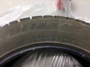 "18"" Bridgestone Blizzak Winter tires  4 - 225 / 55R18 98H"