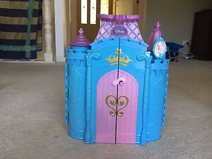 Disney Princesses Foldout Castle Cardiff Heights Lake Macquarie Area Preview