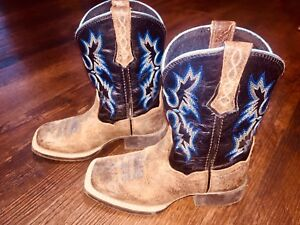 Ariat cowboy/cowgirl boots 9T