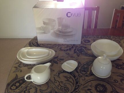 Vue dinner set and accessories Kippa-ring Redcliffe Area Preview