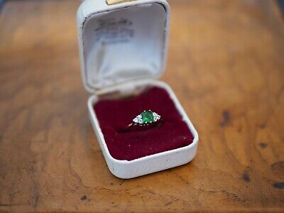 Vintage Hallmarked 9ct Gold Green Gem Stoned Ring Size N