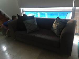 2.5 Seater Lounge & Ottoman Putney Ryde Area Preview