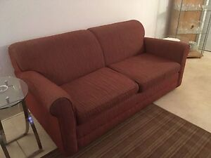 Divan lit - CONFORTABLE - EXCELLENTE CONDITION