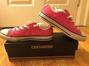 Size 6 neon pink converse