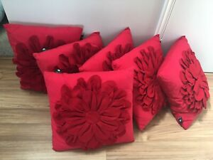 6 red flower cushions