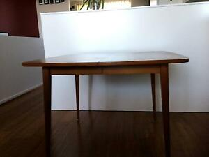 EXTENDABLE DINING ROOM TABLE Waterloo Inner Sydney Preview