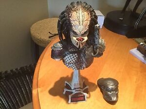 Sideshow Predator Diorama MUST SELL REDUCED TO HALF PRICE