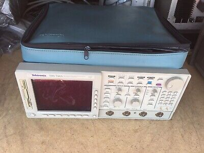Tektronix Tds 744a Four Channel Digitizing 500mhz Oscilloscope