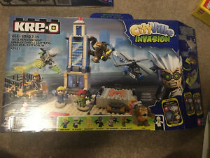 KRE-O Invasion Bundle Sealed