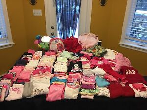 Baby girls clothes 0-6 months (Approx 125 pcs)