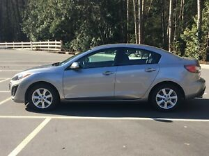 2011 Mazda 3 Sedan auto only 75000 KM Local No accidents