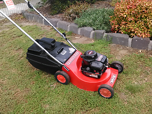 Rover Pedigree 4 stroke mower with catcher and Warranty Sunbury Hume Area Preview