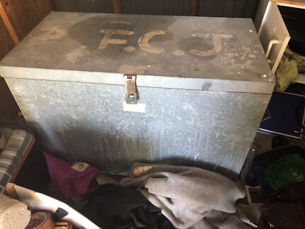 GALVANISED TOOLBOX FOR UTE OR GARAFE OR TRAY