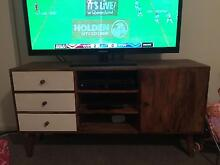 TV UNIT AND SIDE TABLE Pagewood Botany Bay Area Preview