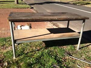 Work bench 1760 x 800 x 915 high