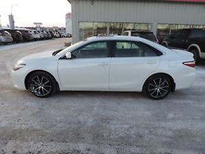 2016 Toyota Camry XSE Local One Owner,Bluetooth,Navi,Backup C...