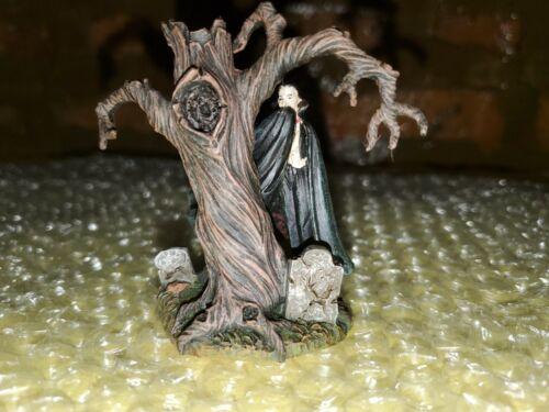 Hawthorne Village Universal Monster Dracula Rises Accessory Set