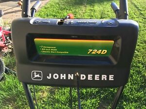 John Deere Snowblower 724D