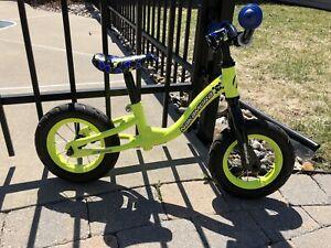 Vélo entraînement enfant