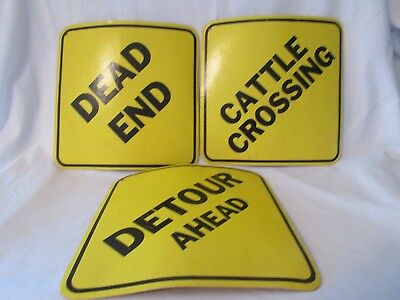3 Vtg Pringle`s Promo Cardboard Street Signs Detour, Dead End, Cattle Crossing!